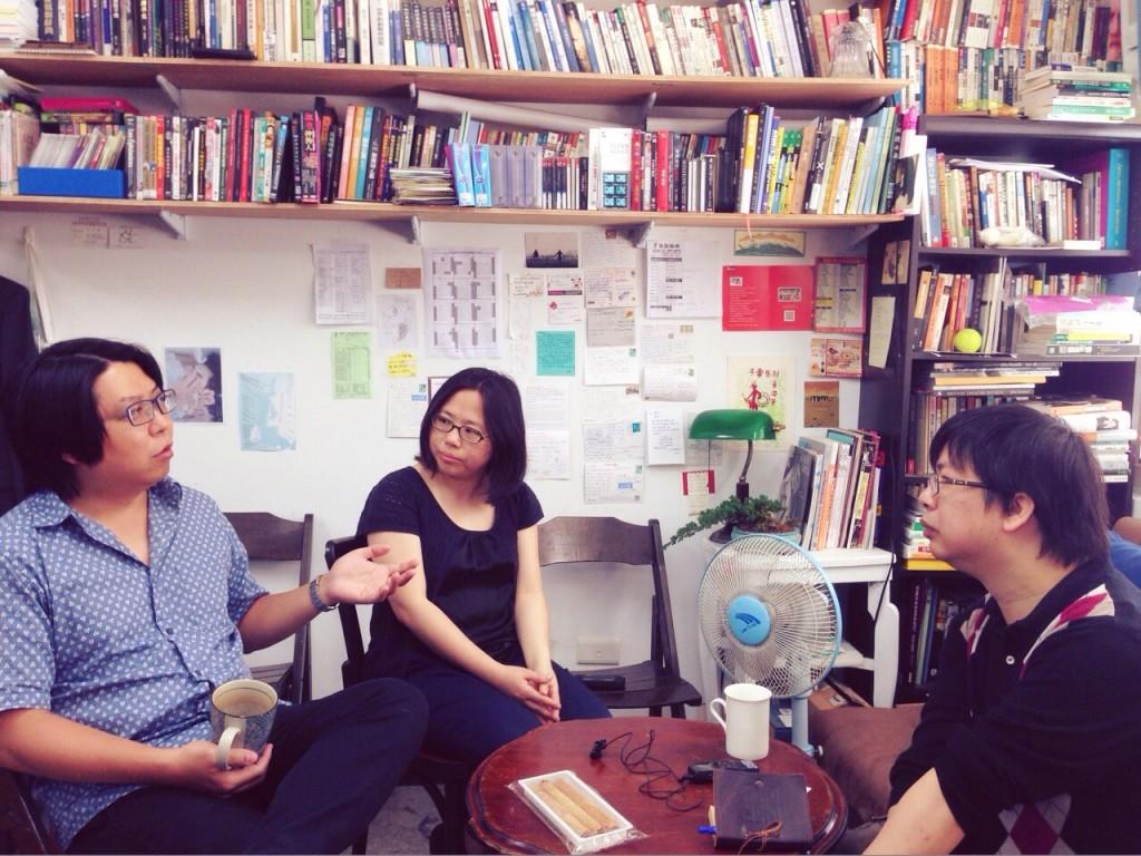 劇團創辦人兼駐團導演廖俊凱(左)及劇團製作人曾瑞蘭
