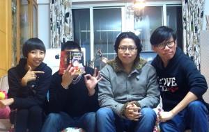 第四集大合照-(左起)哈哈哈小姐、大黃、雞毛、DAYCO